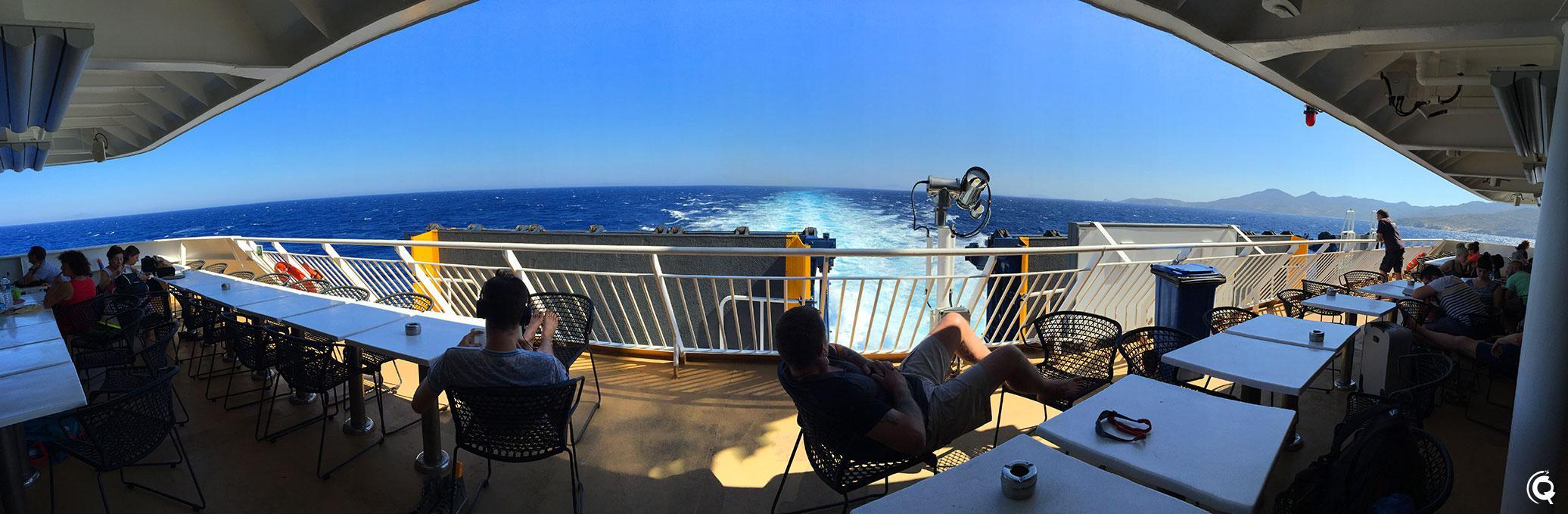 Direction Santorin avec Blue Star Ferries