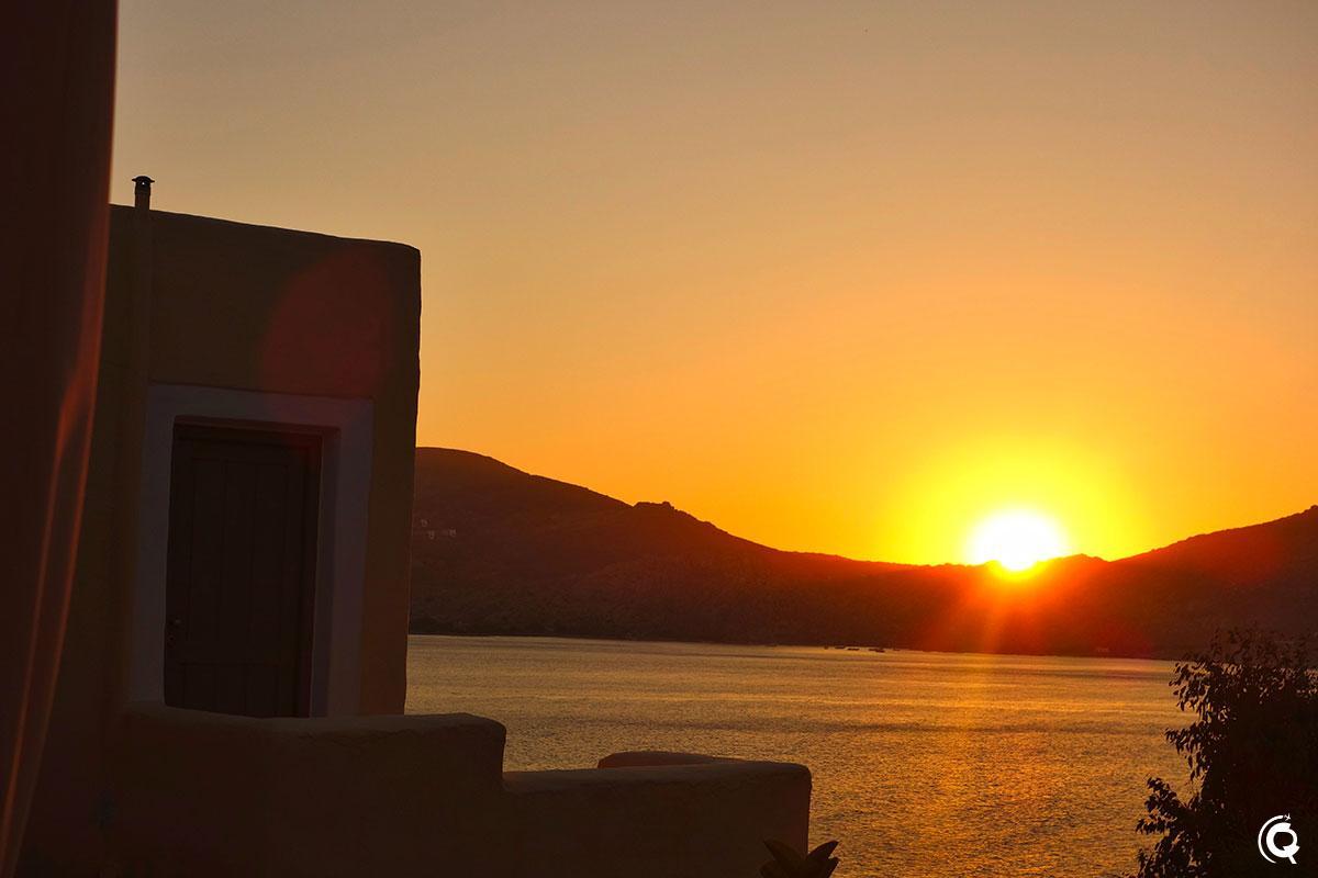 Coucher de soleil depuis Votsalo Apartments à Náoussa