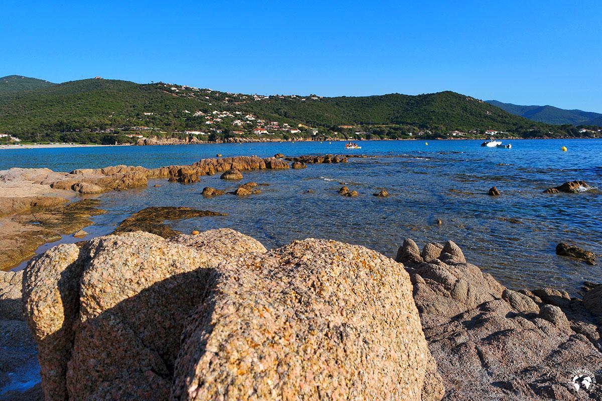 Une petite crique pas loin d'Agosta en Corse
