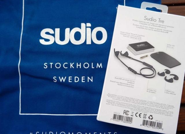 Ecouteurs Bluetooth Sudio Tre avec le sac cabas