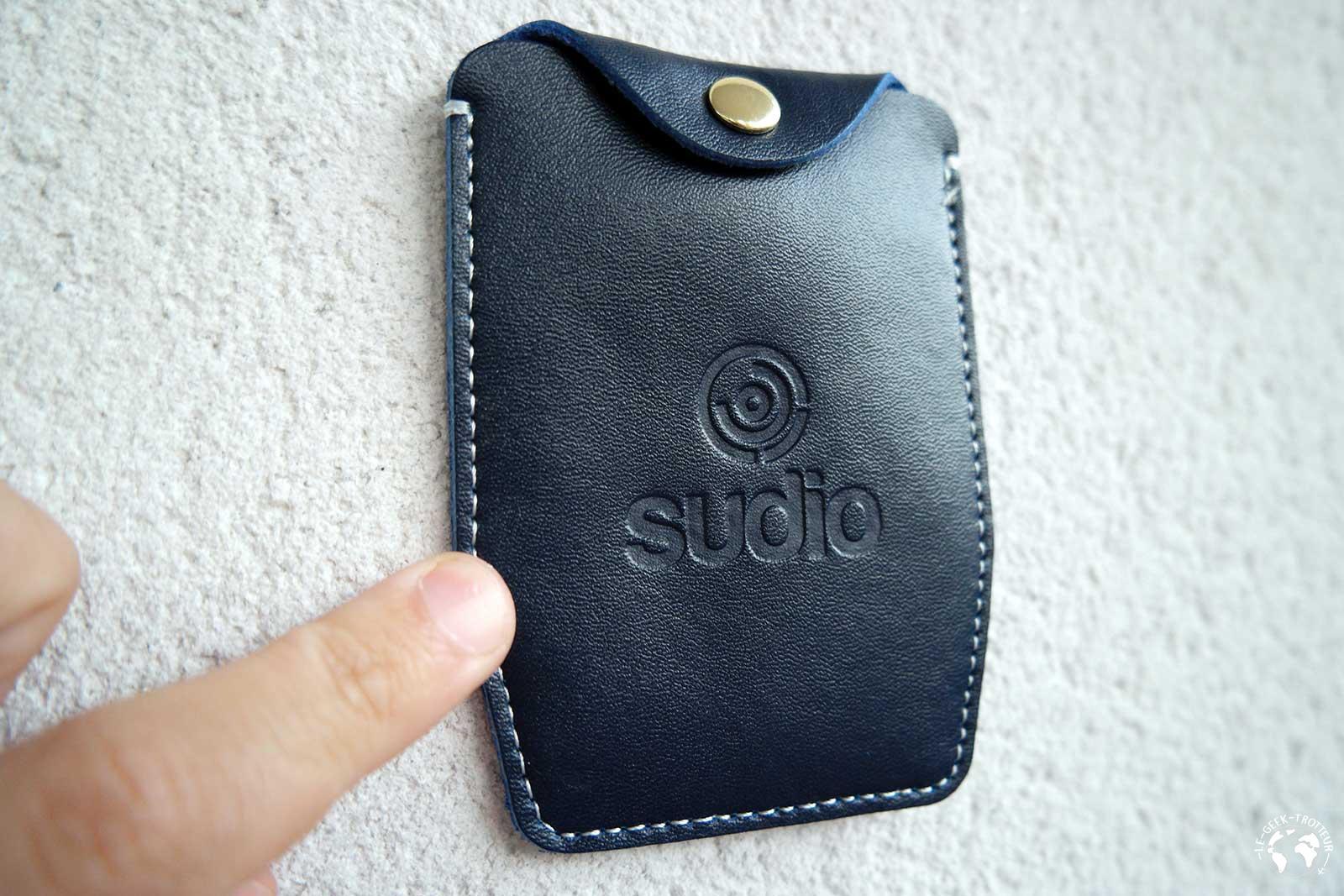 Etui des écouteurs Bluetooth Sudio Tre