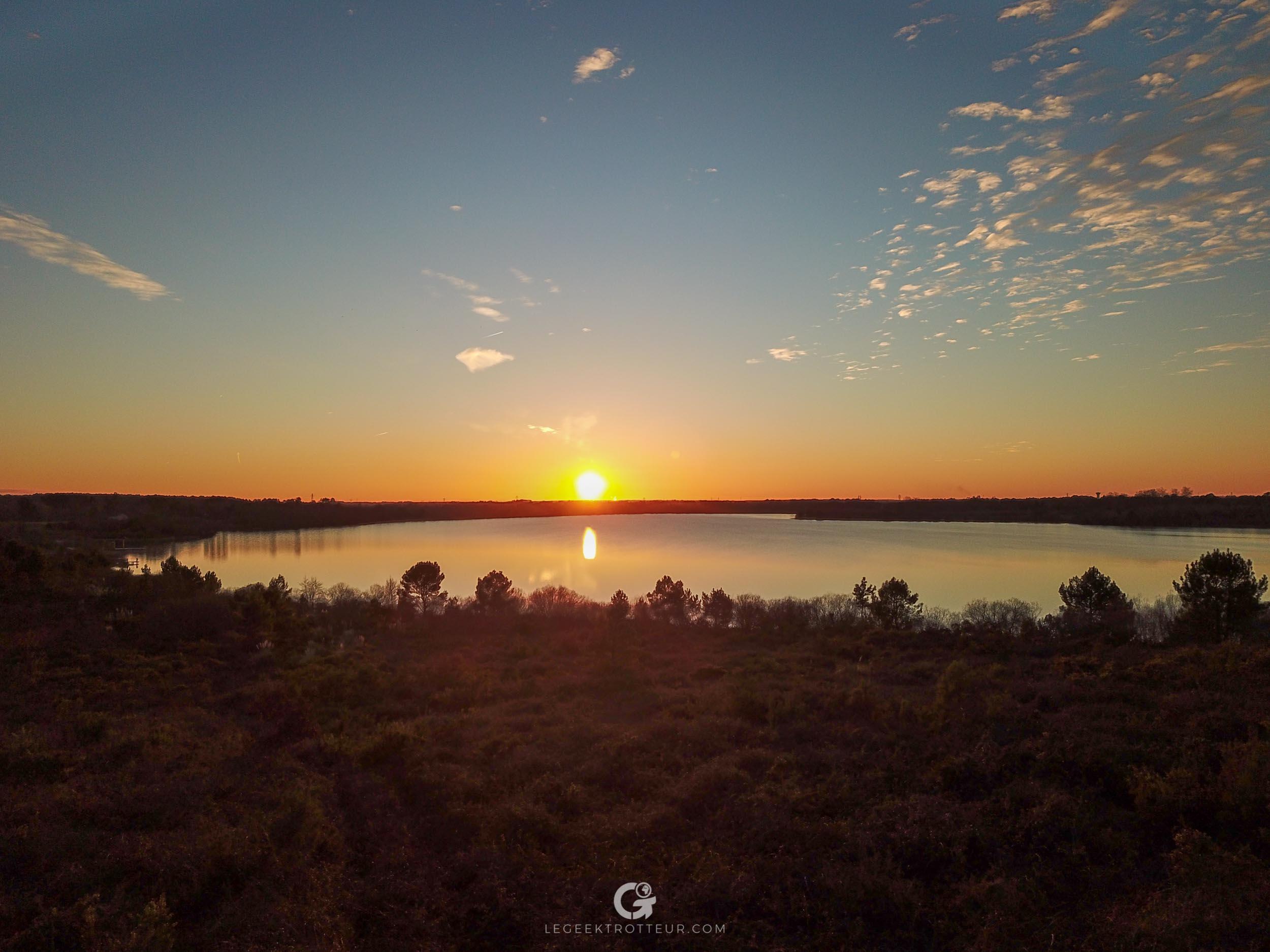 Coucher de soleil sur le lac d'Arjuzanx