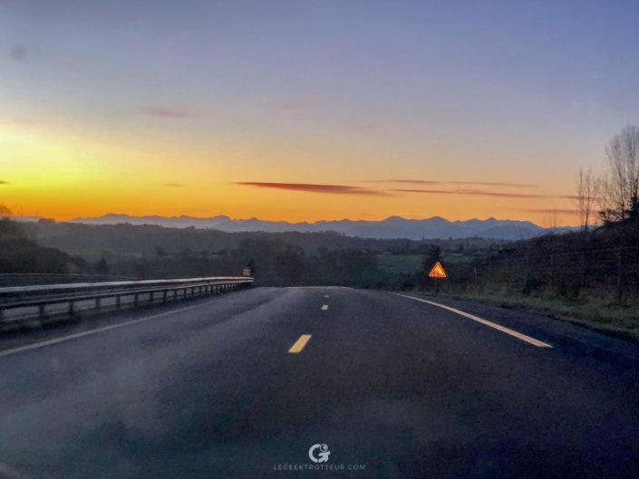 Vue des Pyrénées depuis l'autouroute