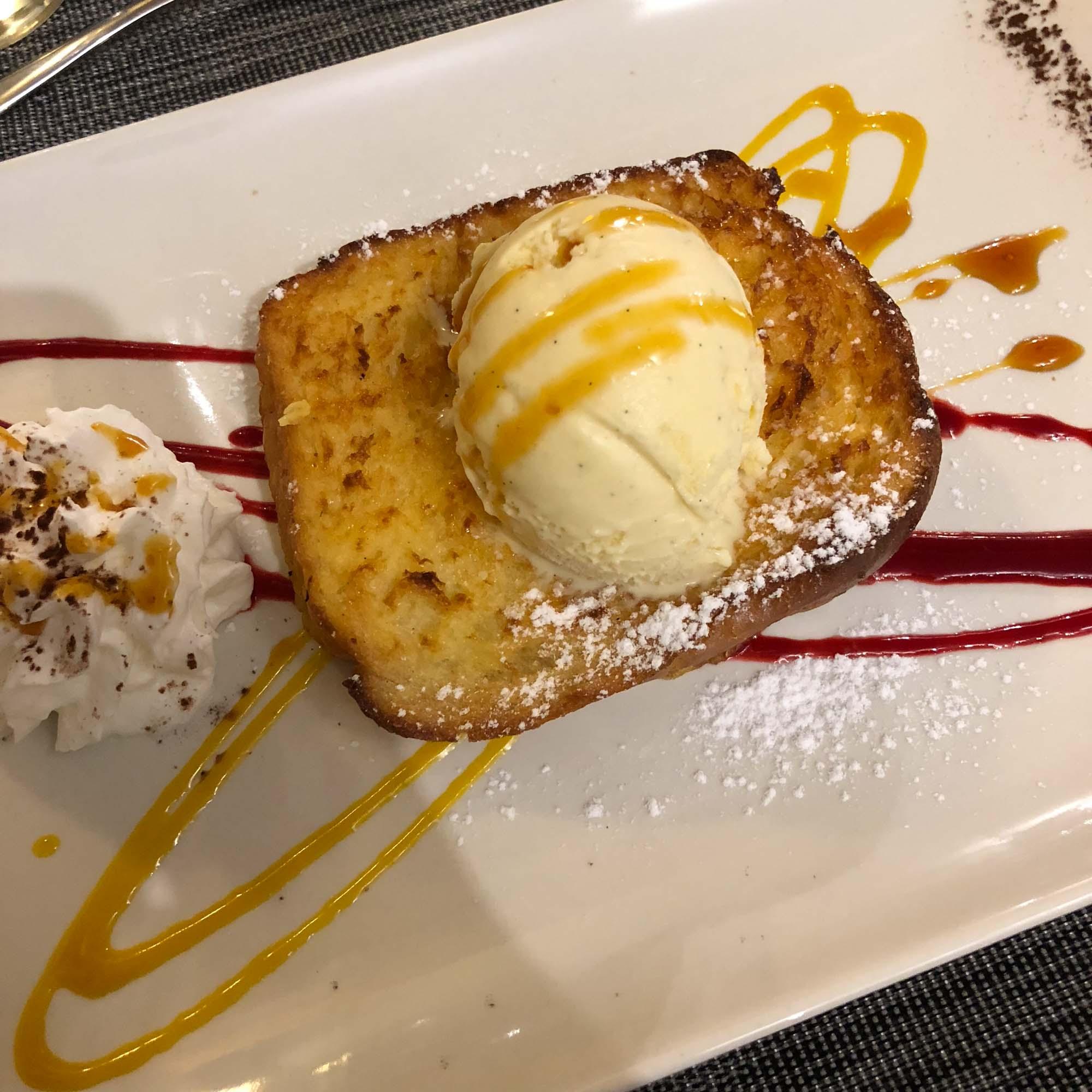 Un dessert au restaurant de l'hôtel Aurélia à Saint-Lary