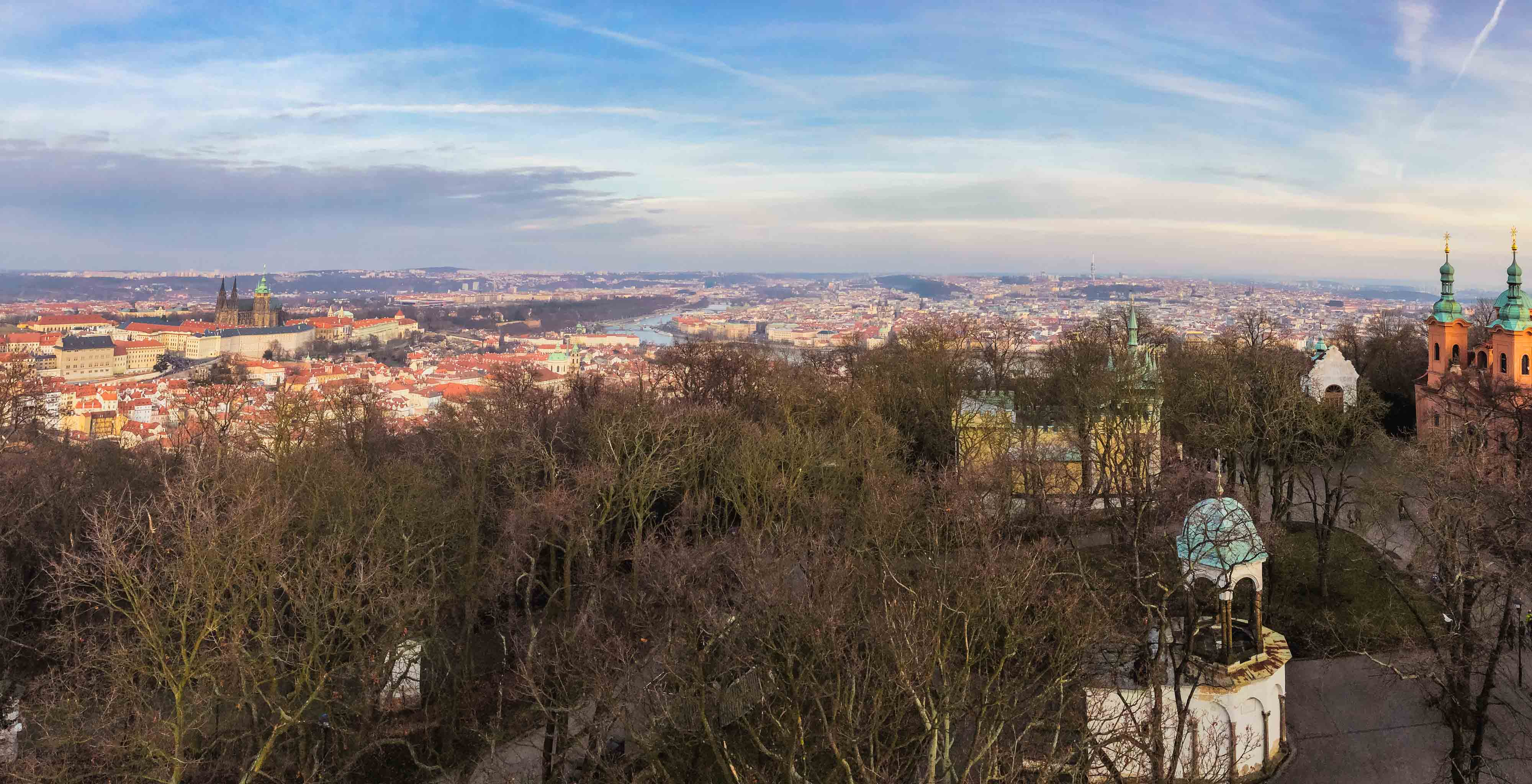 Panorama sur la ville de Prague depuis le sommet de la tour de Petřín
