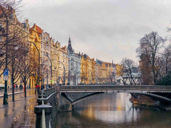 Une magnifique succession de façades colorées à Prague