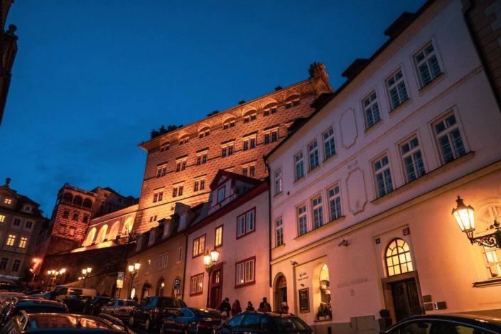 La rue Uvoz est une des plus belles rues de Prague