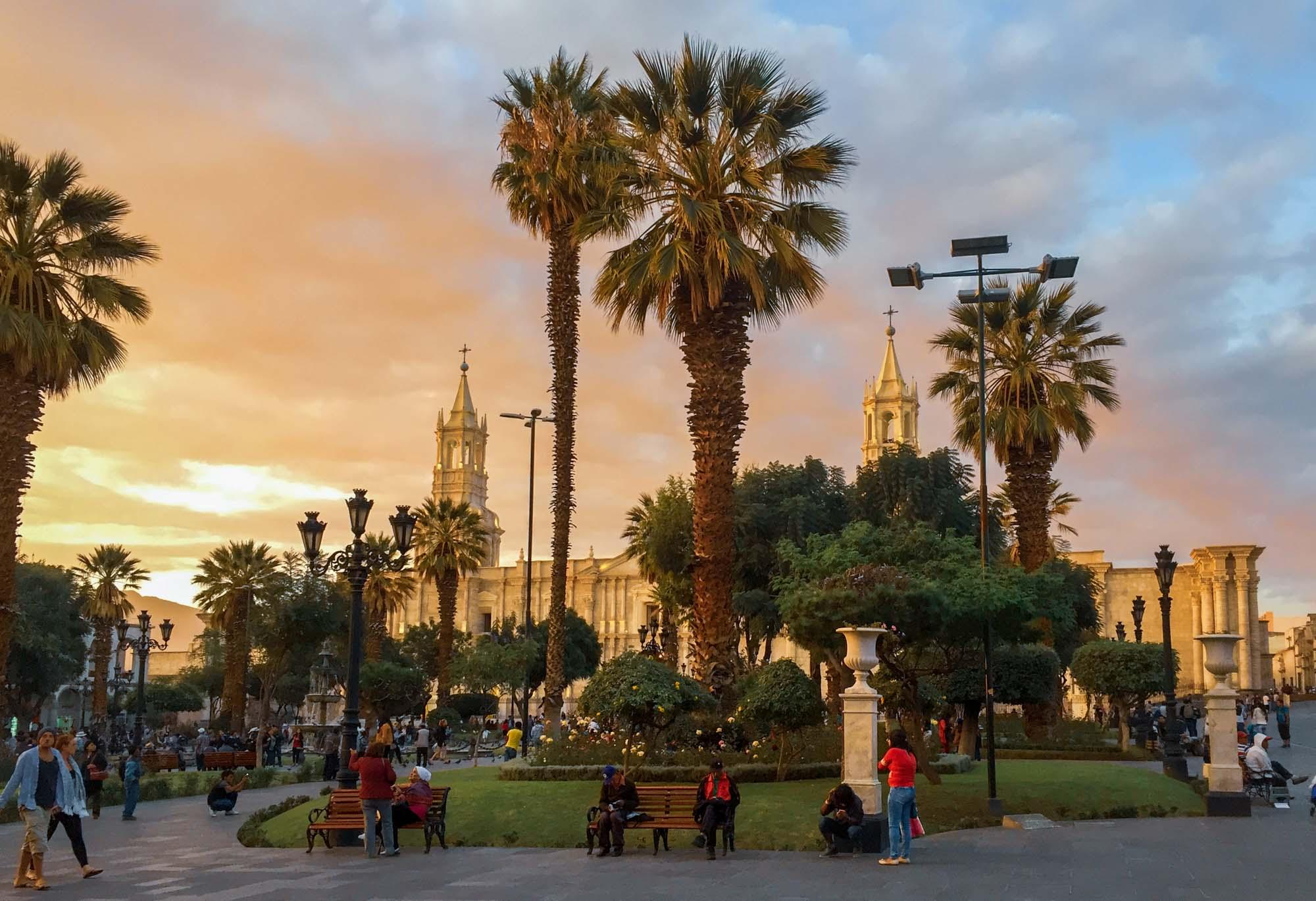 La cathédrale d'Arequipa au coucher du soleil
