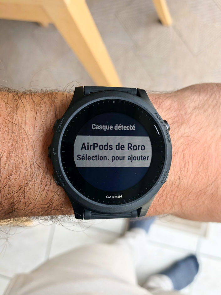 Après les Jabra Elite, les AirPods !