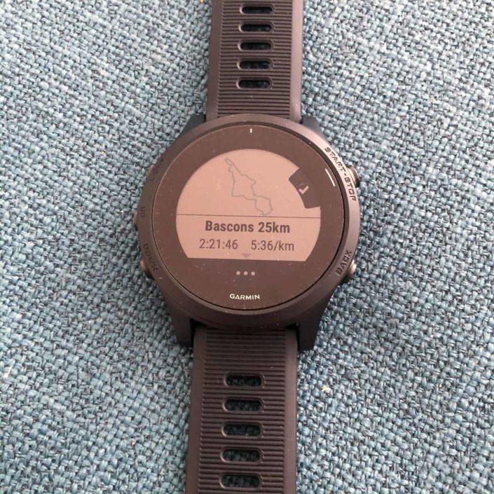 La montre nous donne un aperçu de la carte et de l'objectif de temps/allure.