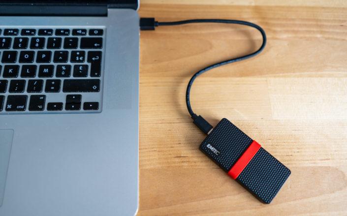 Le câble USB-C est assez court