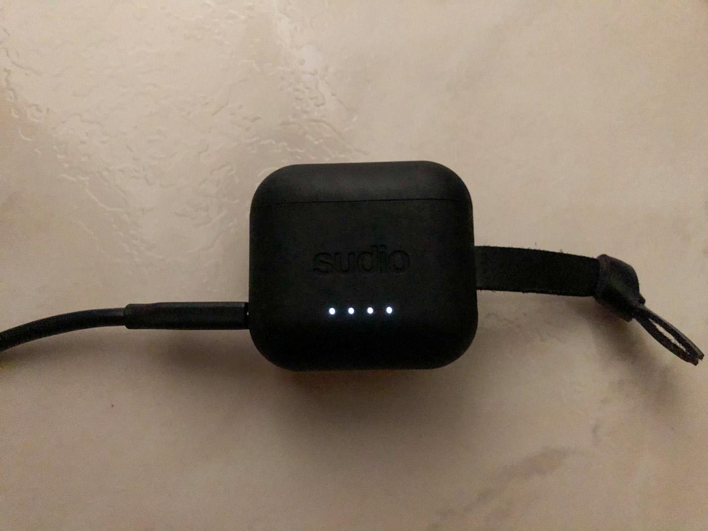 LEDS étui des écouteurs Sudio ETT