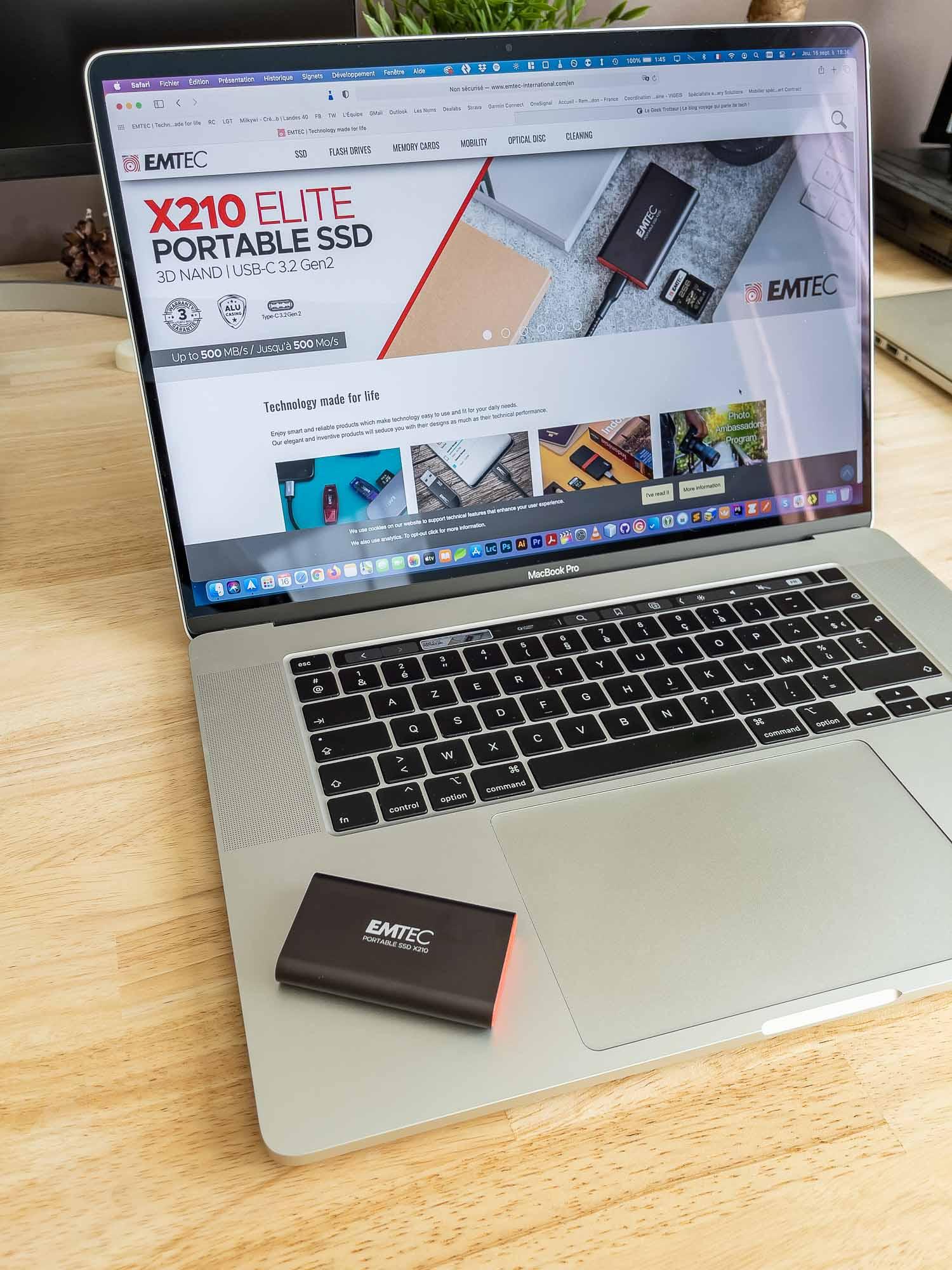 Je vais tester les performances de ce petit disque dur sur mon MacBook Pro.